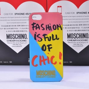 Пластиковый чехол Moschino Fashion is Full or Chic для IPhone 5/5s